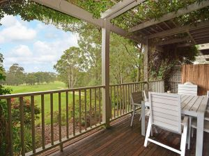 Villa Margarita located within Cypress Lakes - Accommodation Mermaid Beach