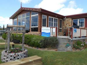 Tidelines of Bicheno - Accommodation Mermaid Beach