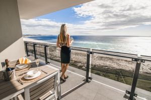 Iconic Kirra Beach Resort - Accommodation Mermaid Beach